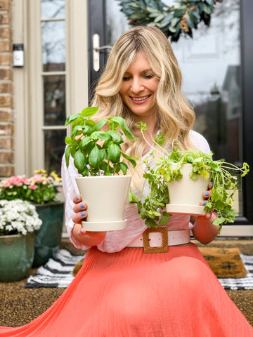 spring style, planters, front porch décor, decorating for spring, pots and planters, gardening