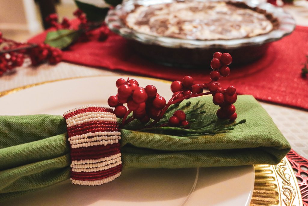 merry and bright napkin décor