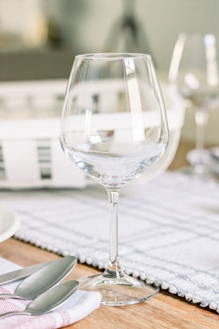 wine glass, glassware, dinner party, 4th of July, entertaining, tablescape