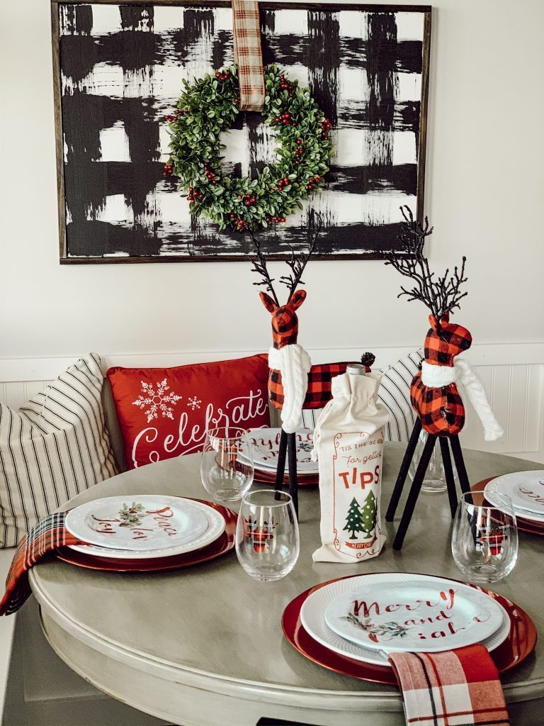 tablescape, dinnerware, wall decor, christmas, holiday