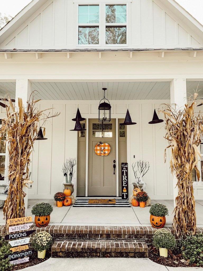 fall front porch, halloween decor, front porch, spooky