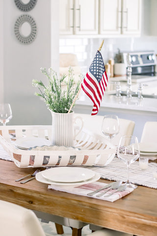 American flag centerpiece, 4th of July party, dinner party, entertaining