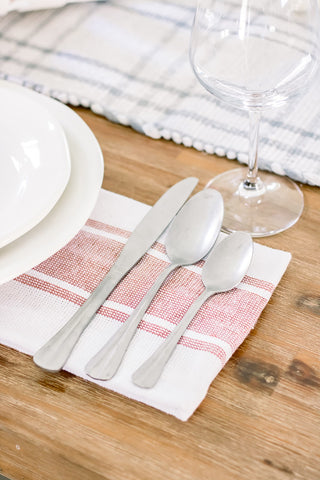 silverware, napkins, Fourth of July decorations, summer entertaining, tablescape ideas