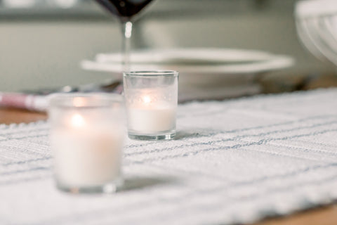 candle, table placemats, dinnerware, Americana décor