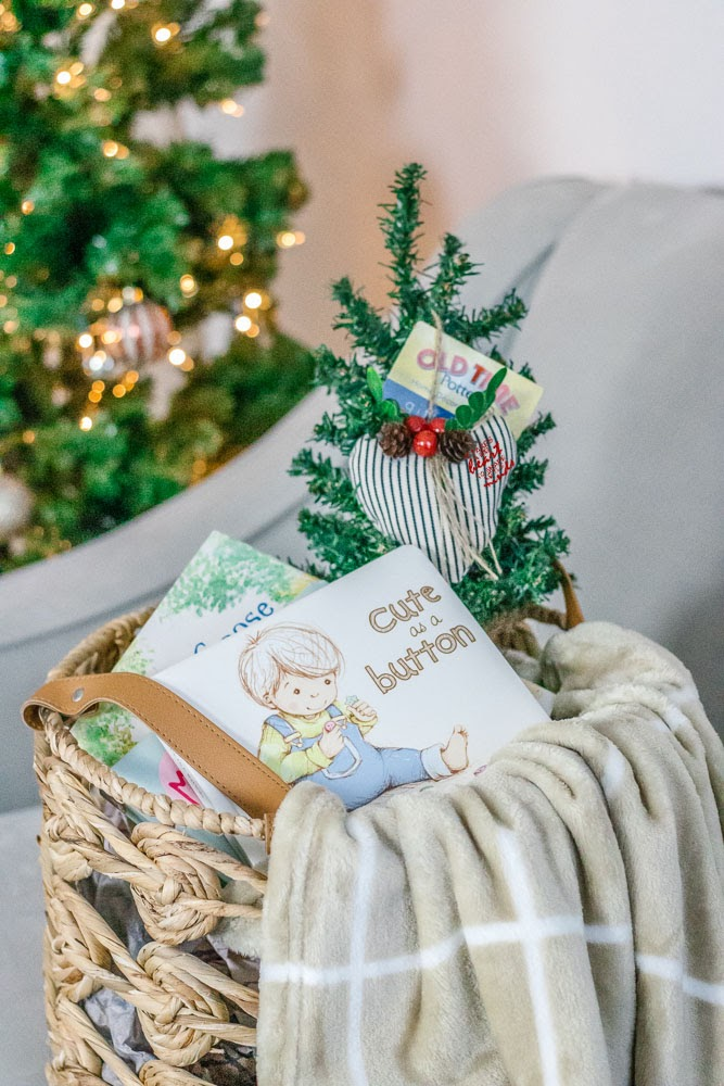gift ideas, christmas gifts, childrens books, blanket