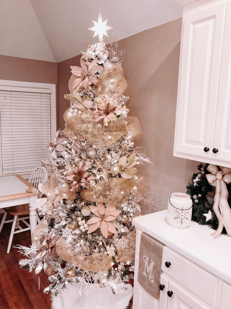 How To Decorate An Insta Worthy Christmas Tree Old Time Pottery