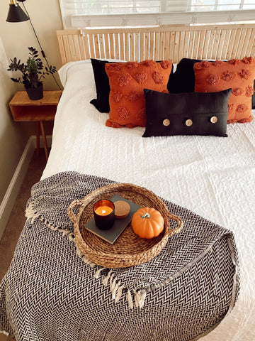 throw blanket, accent pillows, cozy home, fall accents, interior decorating