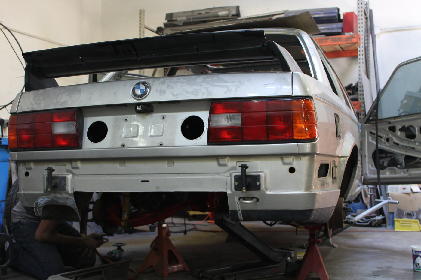 Project Ares - E30 diffuser system and spare wheel well delete