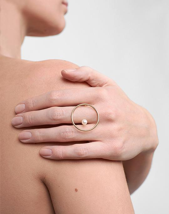 Pearl Maxi Saturne Yellow Gold