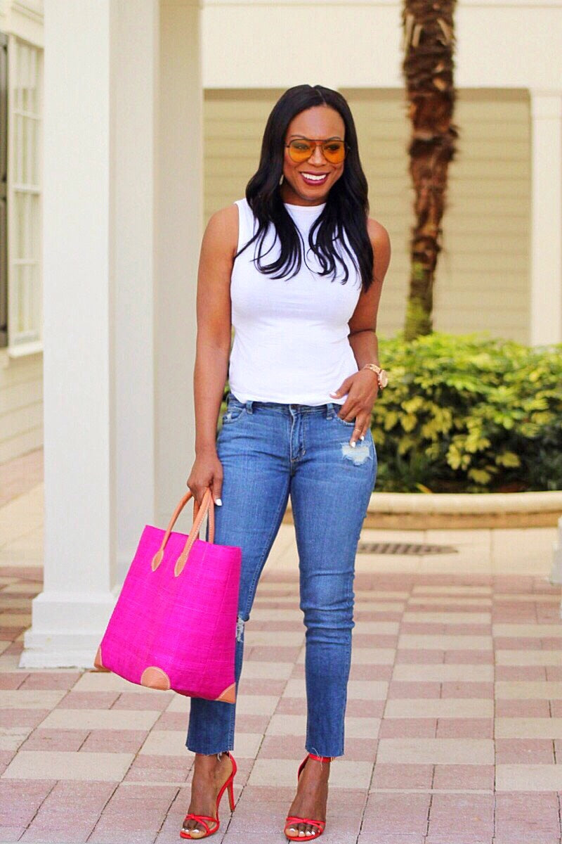 Simple Look Du Jour Ripped Jeans