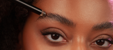 Achieve thicker and fuller brows with the Powerbrow, unlike soap brows the Powerbrow contains non-irritating ingredients