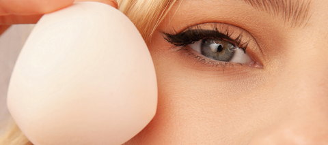 Cut your makeup application in half with our makeup sponge