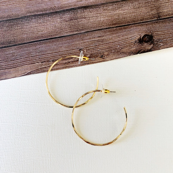 "Hoopla Hoop Earring Collection :: Scarlett 1.5"" Thin Hoops - Gold"