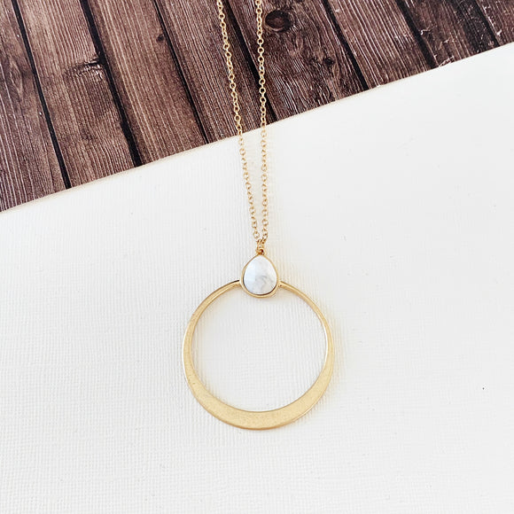 Spring Fever Necklace Collection :: Vivian Howlite Natural Stone Hoop Pendant