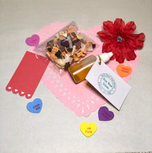 Load image into Gallery viewer, Valentine's Snack Pack