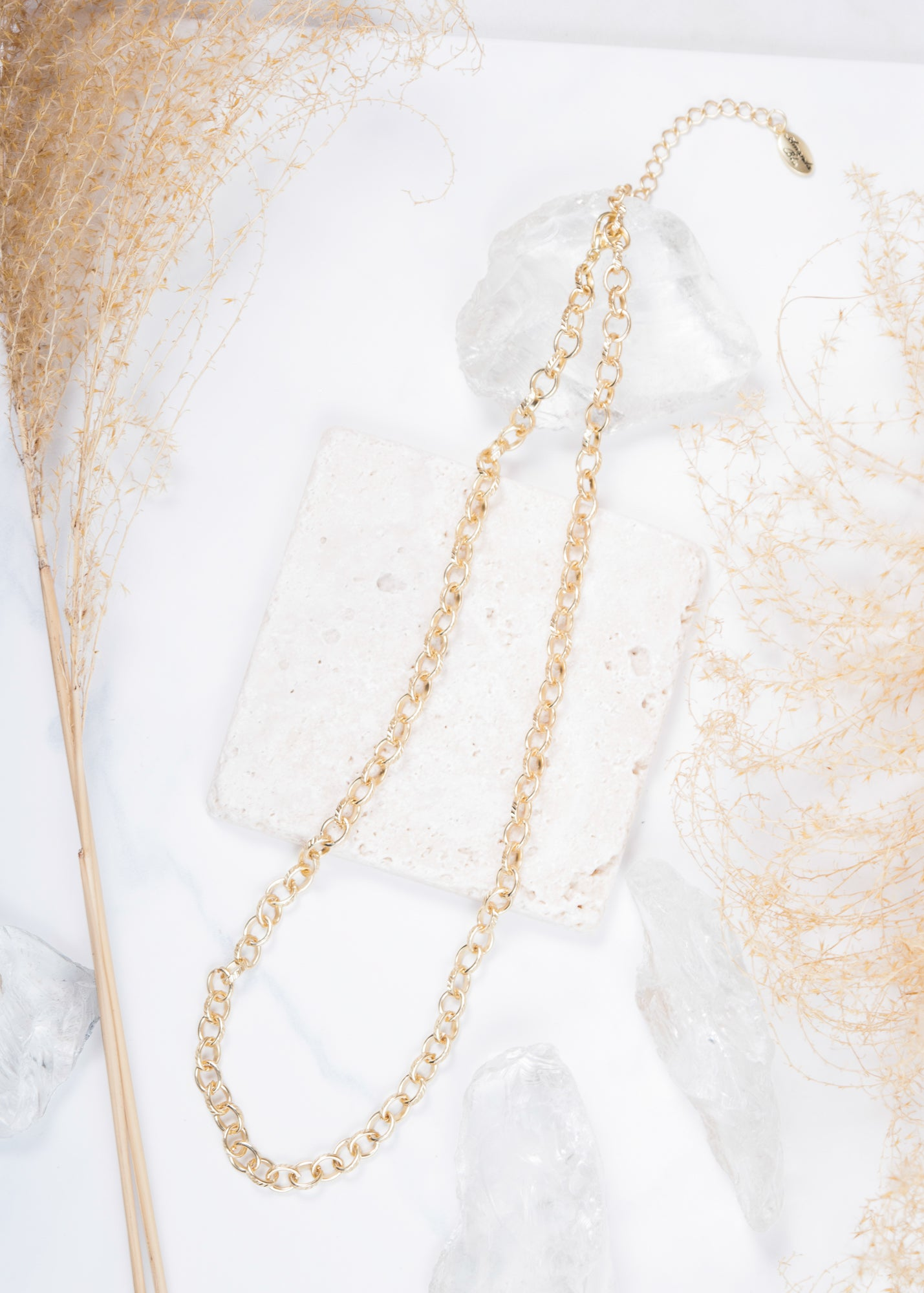 Heartfelt Emotions Chain Necklace - Matte Gold