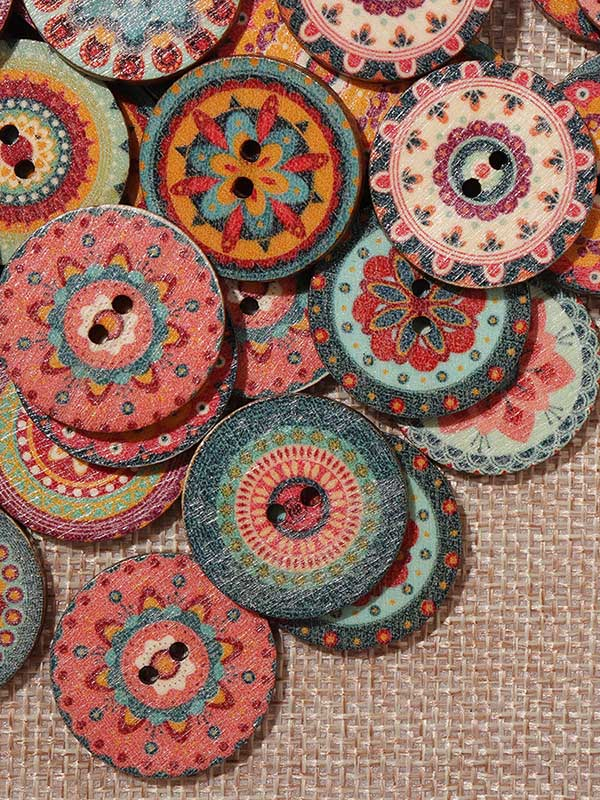 About 100Pcs Multi-Color Round Buttons