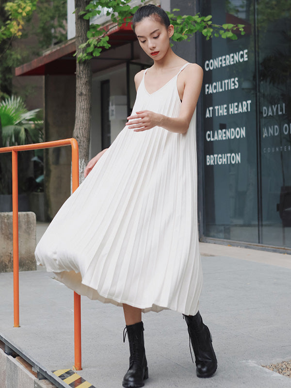 Vintage Loose Sleeveless Pleated V-Neck Dress