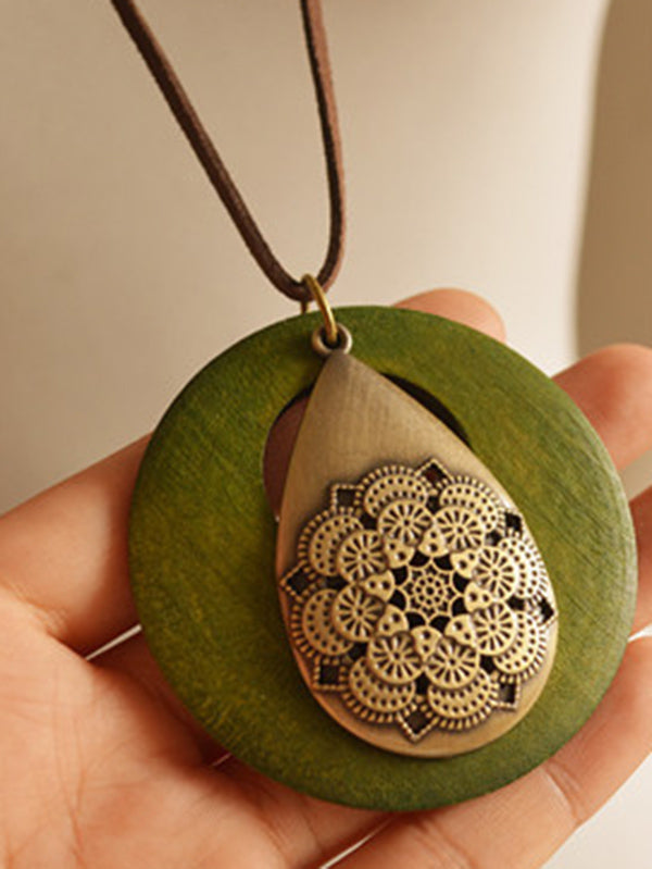 Retro Roundness Wood Necklace