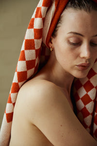 Roman Organic Cotton (Pool) Towel in Paloma Sun & Ecru