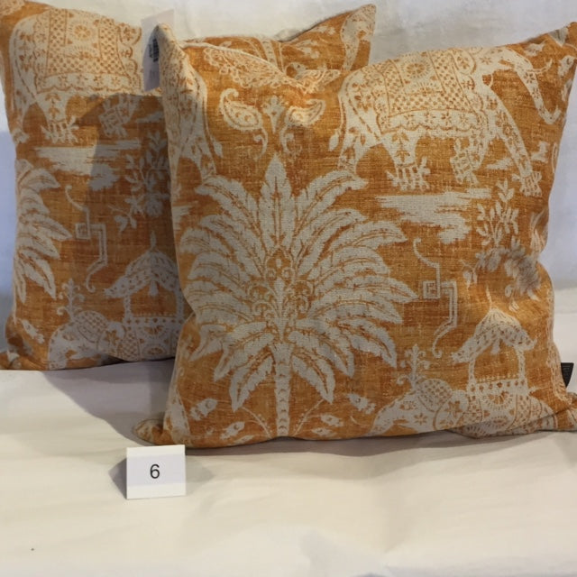 PALMS & ELEPHANTS ACCENT CUSHION