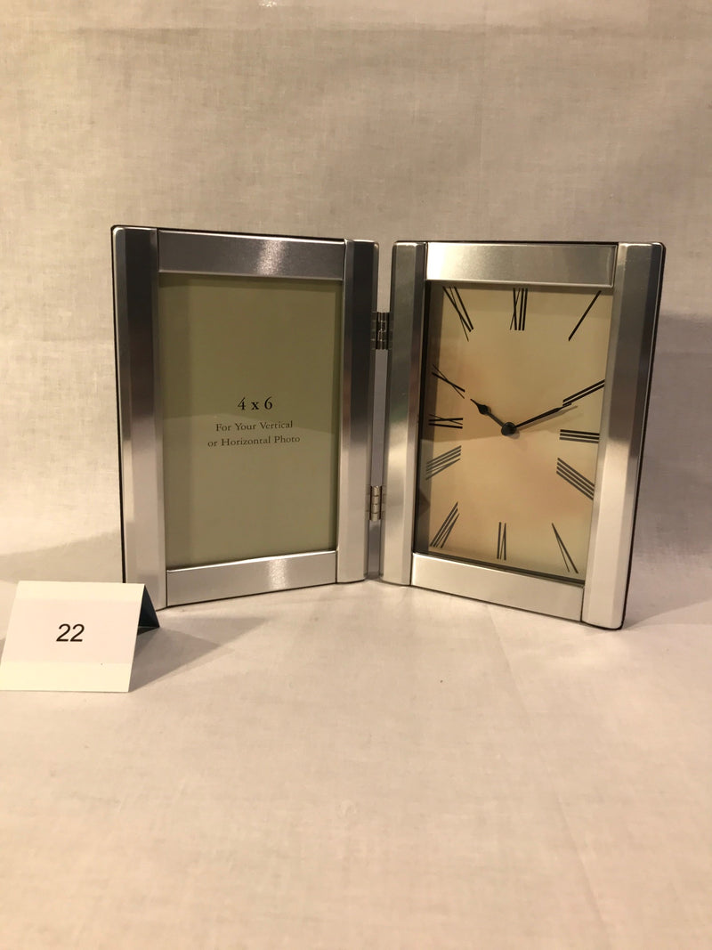 PICTURE FRAME DESK CLOCK