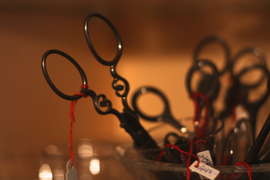 Scissors at Catala Antiquités