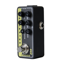 Load image into Gallery viewer, MOOER 002 UK Gold 900 Digital Preamp