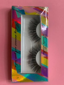 Darella Lashes Honey
