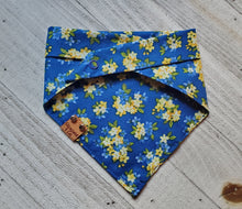 Load image into Gallery viewer, Blue Floral Bandana