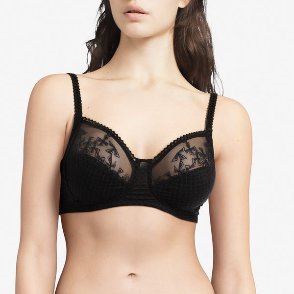 Chantelle Wireless Instants Full Cup Bra in Black 13A2