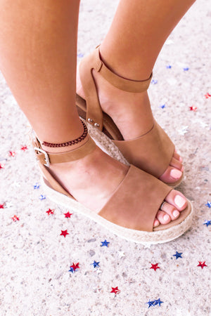 Tristen Sandal - The Rooted Shoppe