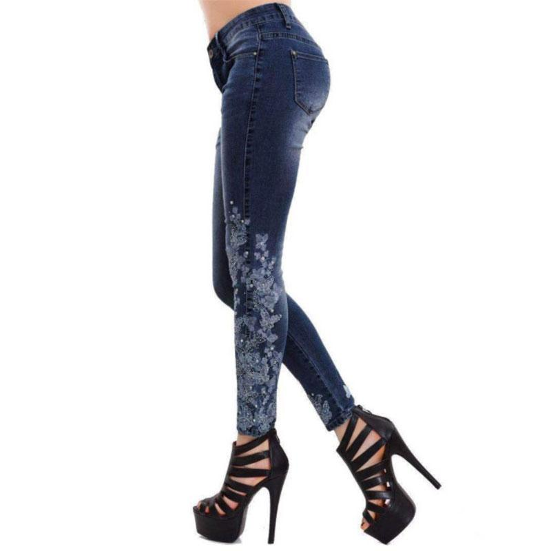 Women Embroidered Slim Fit Jeans