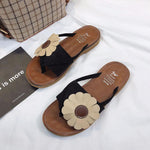 Load image into Gallery viewer, Toe Post Flower Design Flat Sandals