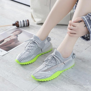 Net Surface Breathable Lace-Up Yeezy Sneakers