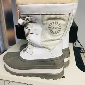 Ugg snow boots size 1 NWT