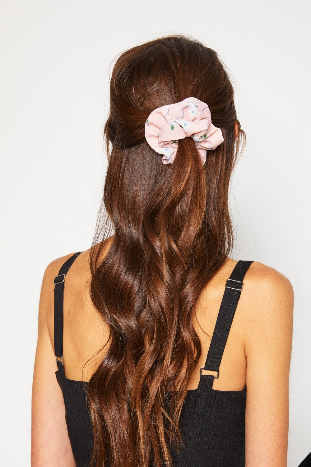 Ane Scrunchie - Pink Floral