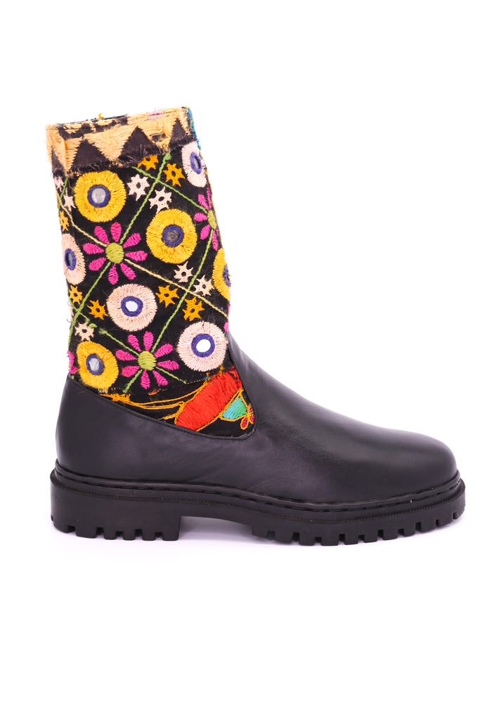 CHUNKY BOOTS EMBROIDERED MOMO NEW YORK