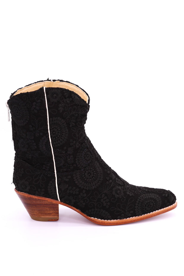 BLACK EMBROIDERED BOOTIES JAUNE - MOMO NEW YORK