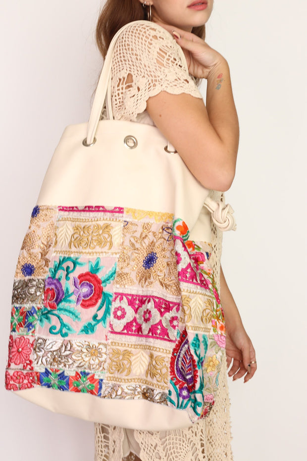 BOHO HOBO EMBROIDERED BAG TOEY - MOMO NEW YORK