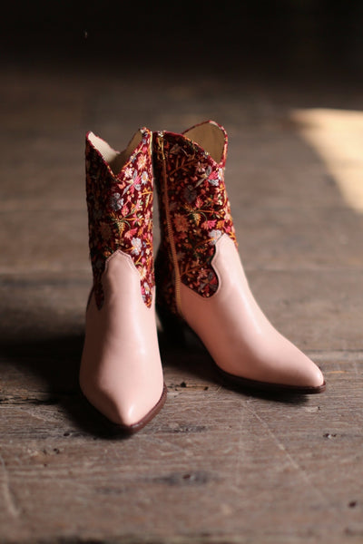 EMBROIDERED VELVET / PINK LEATHER BOOTS DAISY MOMO NEW YORK