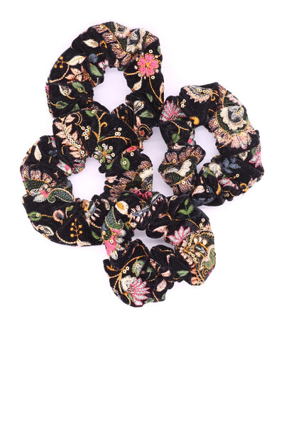 EMBROIDERED VELVET SCRUNCHIE LOU - MOMO NEW YORK
