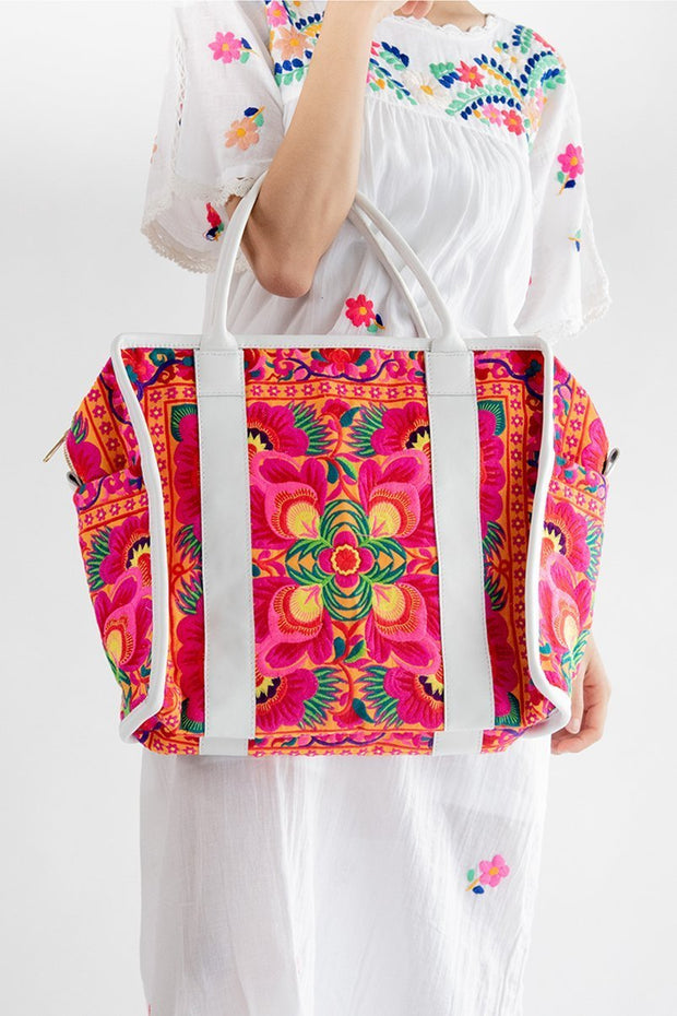 Flower Embroidered Boho Style Bag Ariel MOMONEWYORK