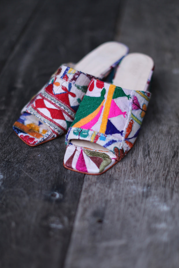 MOMO NEW YORK l EMBROIDERED PATCHWORK MULES LULU