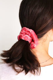 SILK EMBROIDERED SCRUNCHIE TARINI
