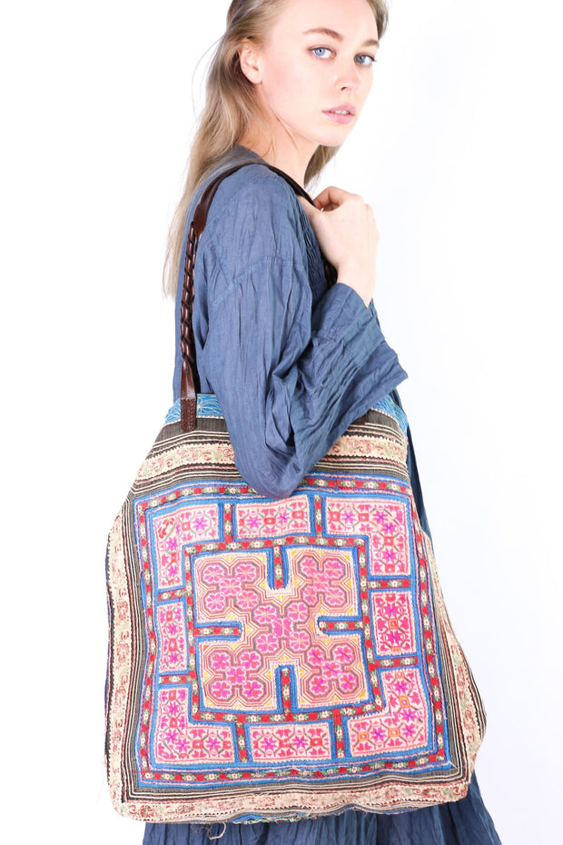 MY ALL TIME FAVORITE TRIBAL TOTE BAG BILLIE JEAN - MOMO NEW YORK