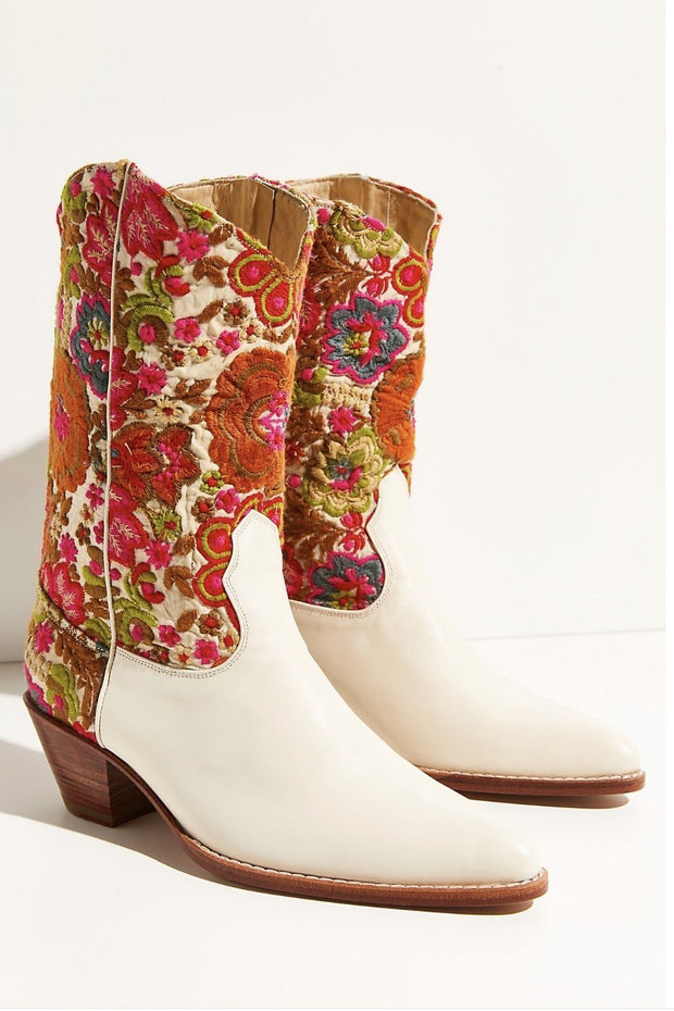 SELINA EMBROIDERED WESTERN BOOTS (IVORY) - MOMO NEW YORK
