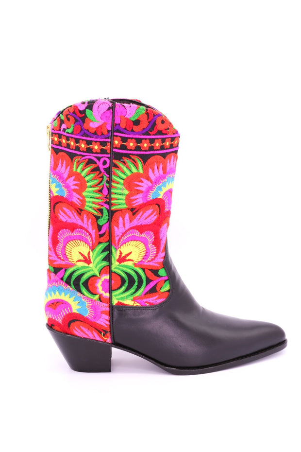 SELINA TRIBAL EMBROIDERED WESTERN BOOTS