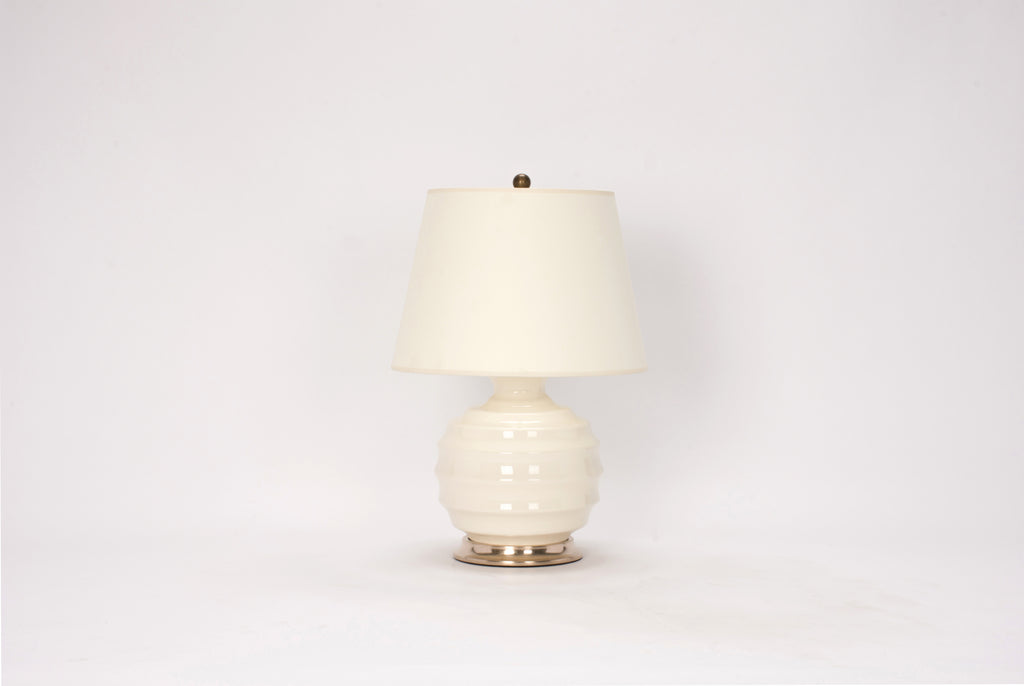 Single Wide Ribbed Ball Lamp in Blanc de Chine
