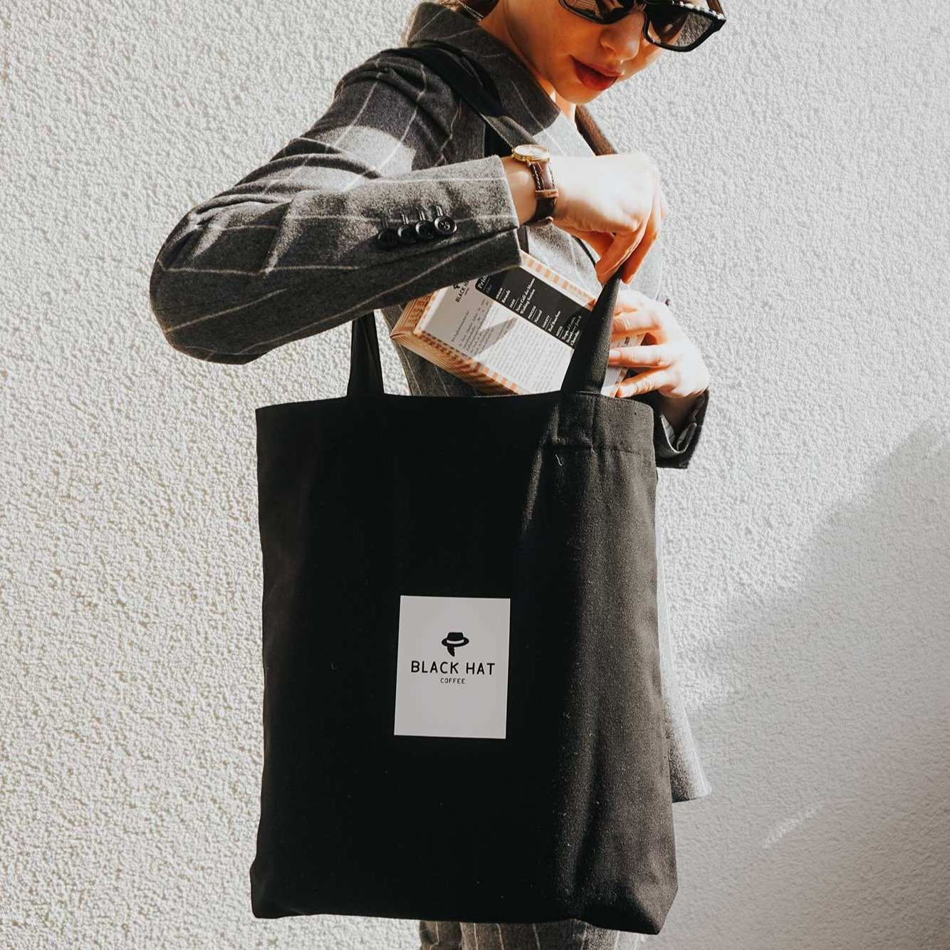 Shopper aus robuster Canvas-Qualität - Black Hat Coffee GmbH